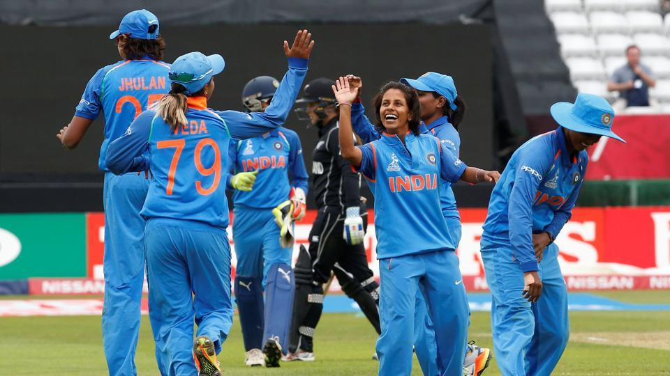 India defeated New Zealand to enter the ICC Women's World Cup semi-finals onSaturday.