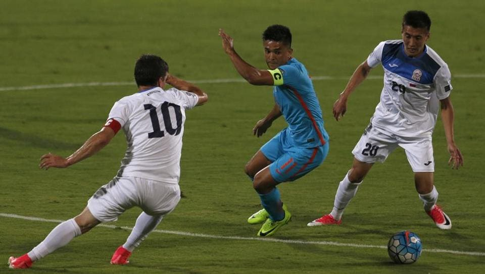 Sunil Chhetri (C) says it will be a big achievement for India if they maintain the top-100 ranking after three years.