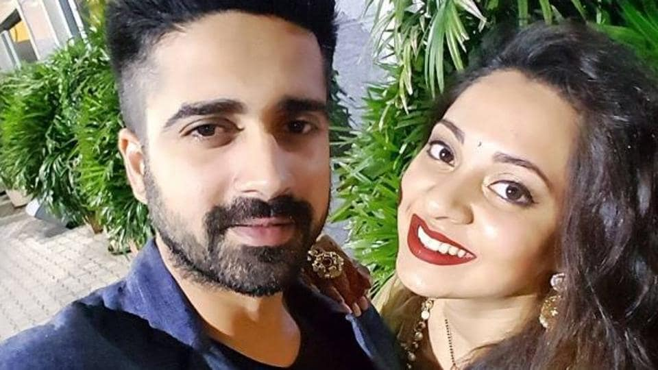 Actor Avinash Sachdev and writer-actor Shalmalee Desai got married in 2015.