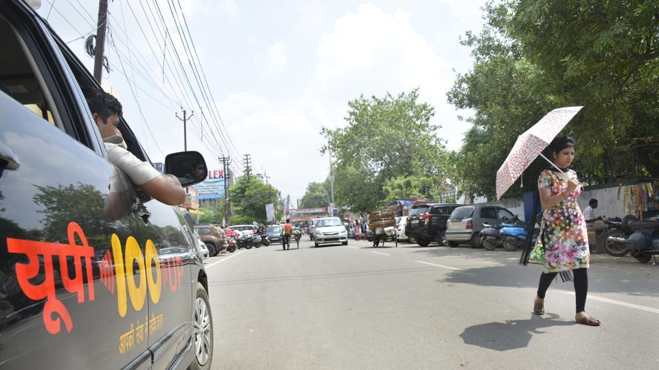 Ghaziabad cops,teen stabbed,police station