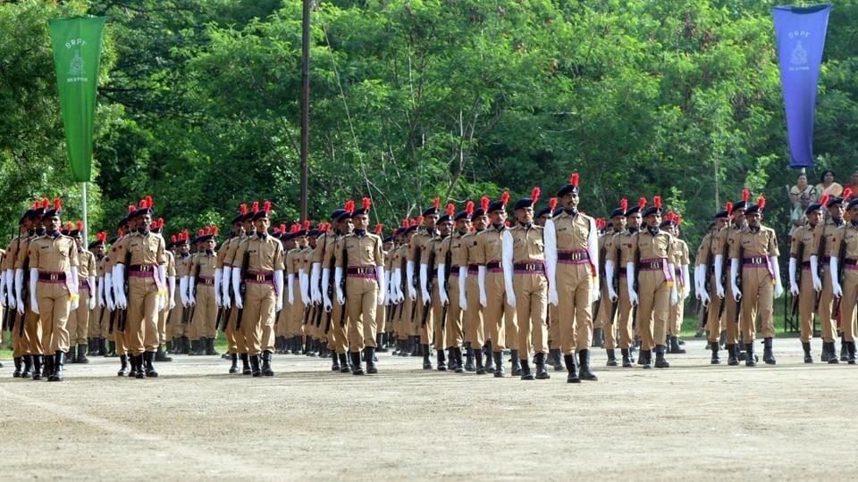 SRPF cadets during the passing out parade in Pune.  (HT PHOTO)