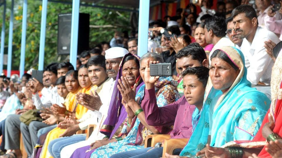 Relatives of SRPF cadets eagerly observing the proceedings during passing out parade in Pune.  (HT PHOTO)