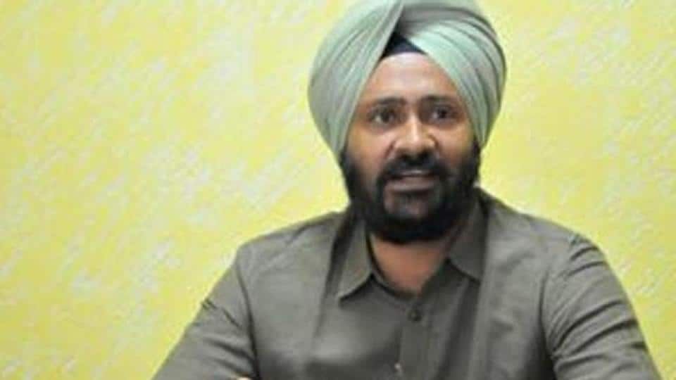 Shiromani Akali Dal MLA Parminder Singh Dhindsa 's vote was cancelled after he claimed his pen fell on the ballot paper of the candidate Meira Kumar, leaving a spot on it.