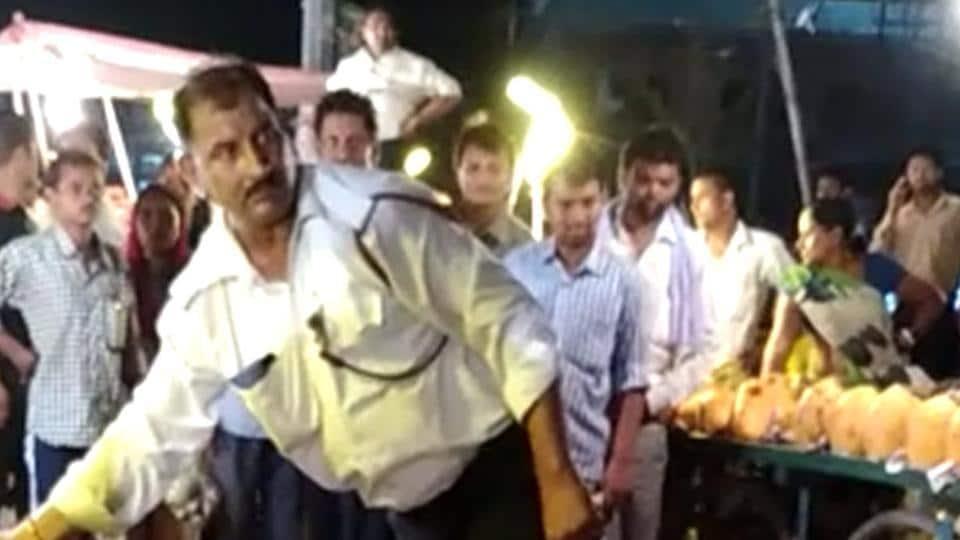 Noida,Noida news,man strangulates dog