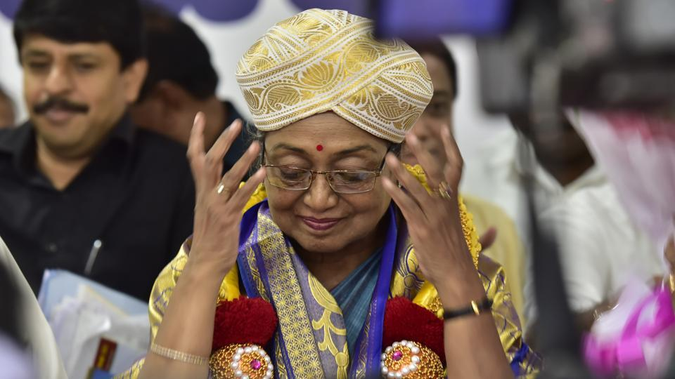 Meira Kumar, the opposition Presidential candidate at Karnataka Pradesh Congress Committee in Bengaluru, Karnataka. Nitish Kumar's swerve in allegiance to Ram Nath Kovind came as a shock to the Opposition parties expecting his support for Meira Kumar. The opposition is relying on 17 parties backing Kumar for President.    (Arijit Sen/HT Photo)