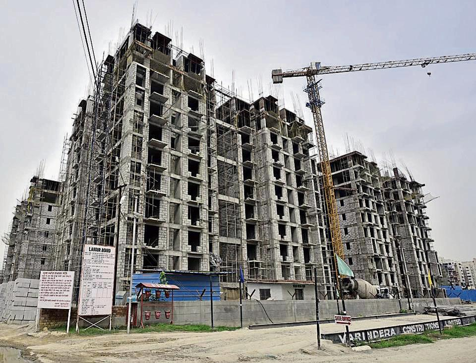 The authority is constructing 215 higher income group (HIG) flats in south east Delhi's Jasola Vihar -- earthquake-resistant green buildings built with fly-ash bricks.