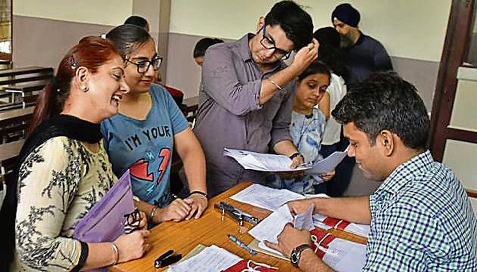 Seats are still available at colleges like Ramjas College, Daulat Ram College, and Hindu College. Hindu College has set the highest cutoff for the course at 97.25%, which is the same as that in the fourth list.