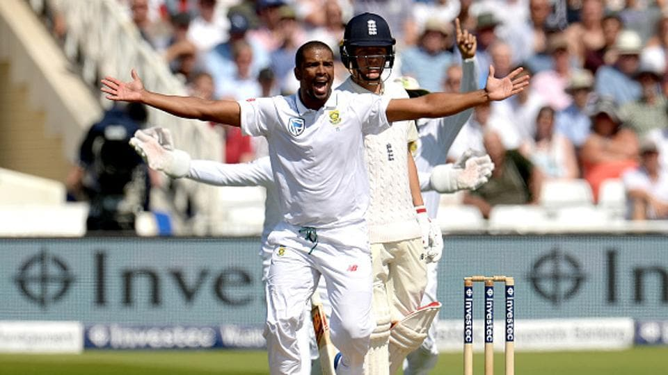 Vernon Philander (in pic) and Keshav Maharaj took three wickets each as South Africa thrashed England by 340 runs to level the four-Test series 1-1.