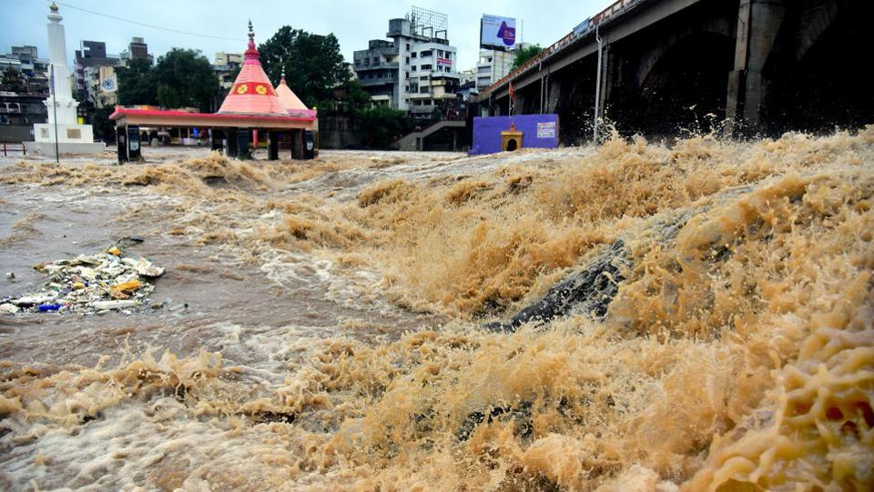 Incessant rains  in Nashik caused a spate in many rivers causing  extensive damage to bridges along its route. (Mayur Bargaje / HT Photo)