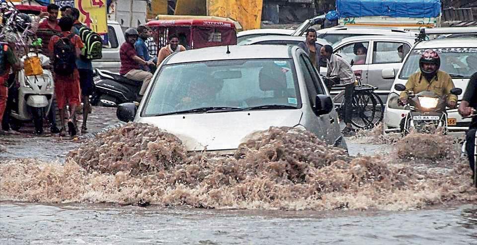 Among the worst-hit areas were Mayur Vihar Phase-1, Akshardham, Pitampura, Yamuna Vihar, Lajpat Nagar, ITO and areas around Shivaji Park metro station.