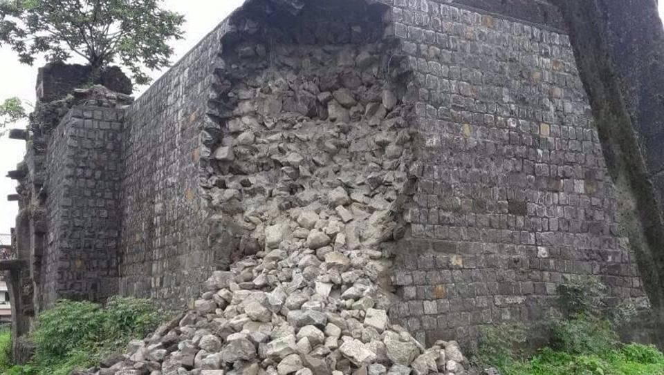 Pune,Fort,Bad repair work