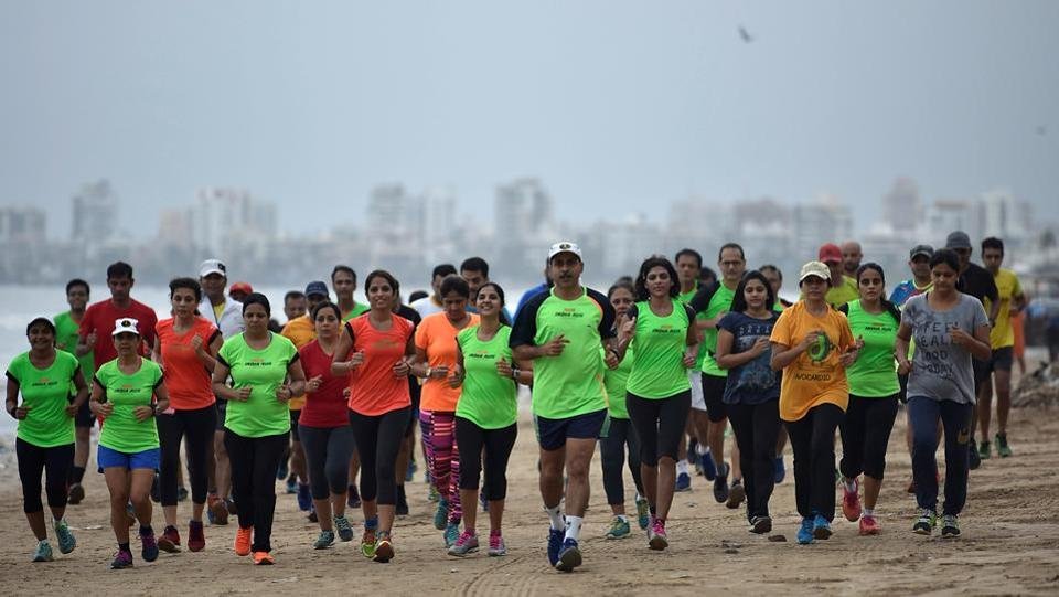 All eyes on the finishing line. (Satish Bate/HT Photo)