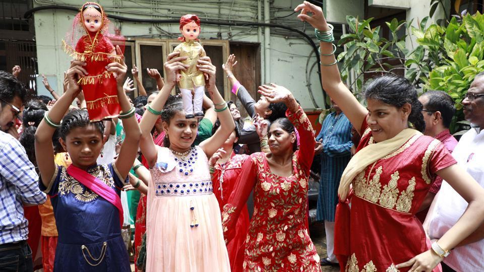Differently abled children celebrate the 'dolls' wedding' at Seva Sadan Dilasa Kendra, Laxmi road in Pune on Saturday, July 15, 2017.  (RAHULRAUT/HTPHOTO)