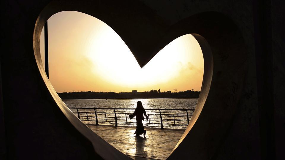 Saudi girl,Girl in miniskirt,Snapchat video