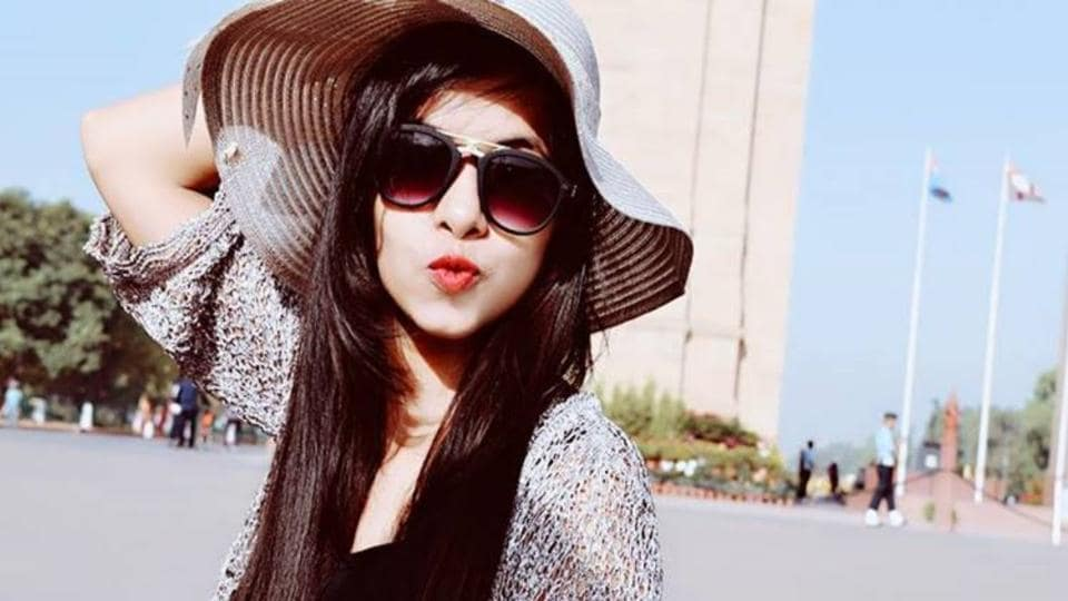 Dhinchak Pooja, YouTube sensation, is expected to be in Big Boss 11.