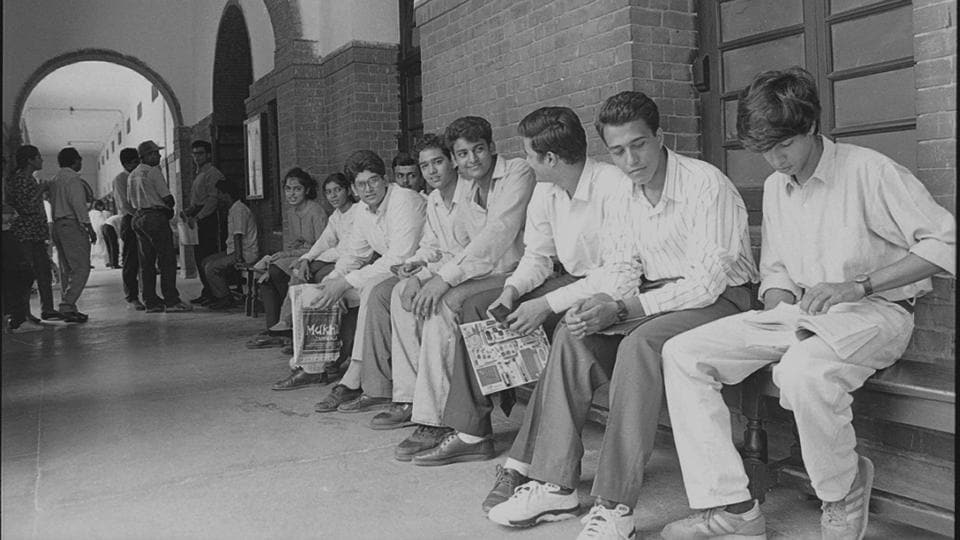 Students await there turn for the personal interview at  Delhi University in the year 1994.  Yearly trends and fast fashion have replaced  the more formal styles of dressing seen in earlier decades. (Girish Srivastava / HT Photo)