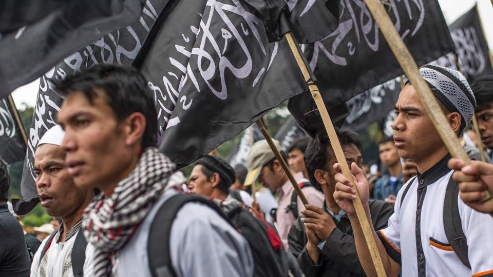 Islamic group Hizbut Tahrir condemns disbandment by government