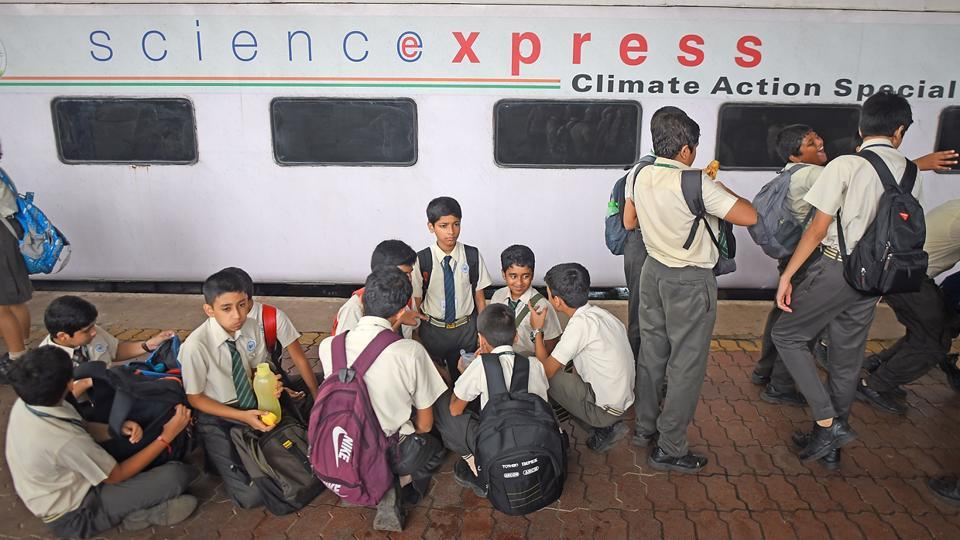 The informative Science Express Climate Action train arrived at Chhatrapati Shivaji Maharaj Terminus (CST) on Wednesday.  (Pratik Chorge/HT Photo)