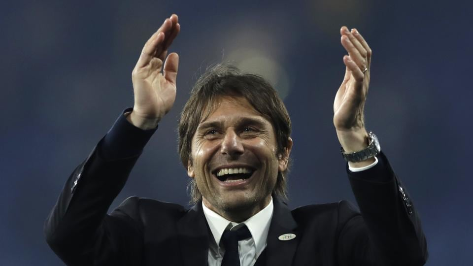 Chelsea's manager Antonio Conte signed a new two-year contract with the English Premier League champions.