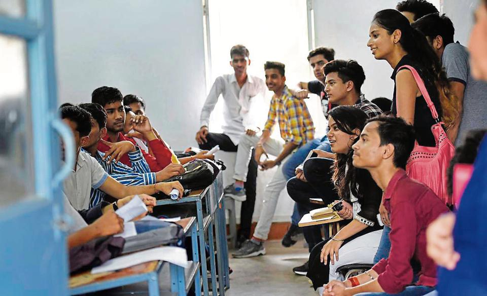 Ragging can be a concern for many first-year students but the fears were laid to rest at colleges such as Miranda House and Ramjas where seniors welcomed freshers by a symbolic red tilak.