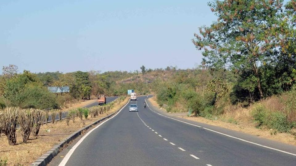 Miscreants,driver robbed,Jalandhar-Pathankot highway