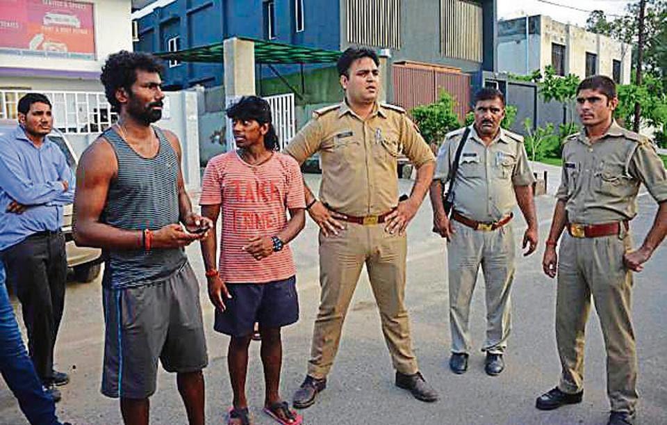 Delhi pacer Parvinder Awana beaten up in Greater Noida