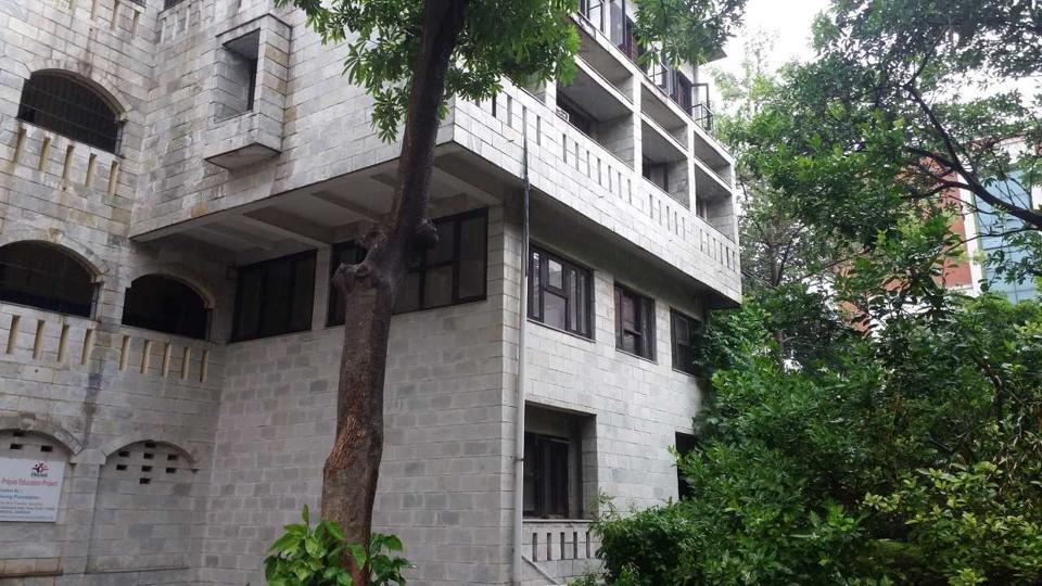 Delhi juveline home,girls escape from shelter,Prayas
