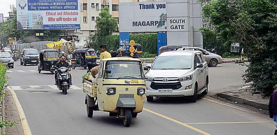 Rising number of vehicles lead to traffic congestion on Magarpatta city road