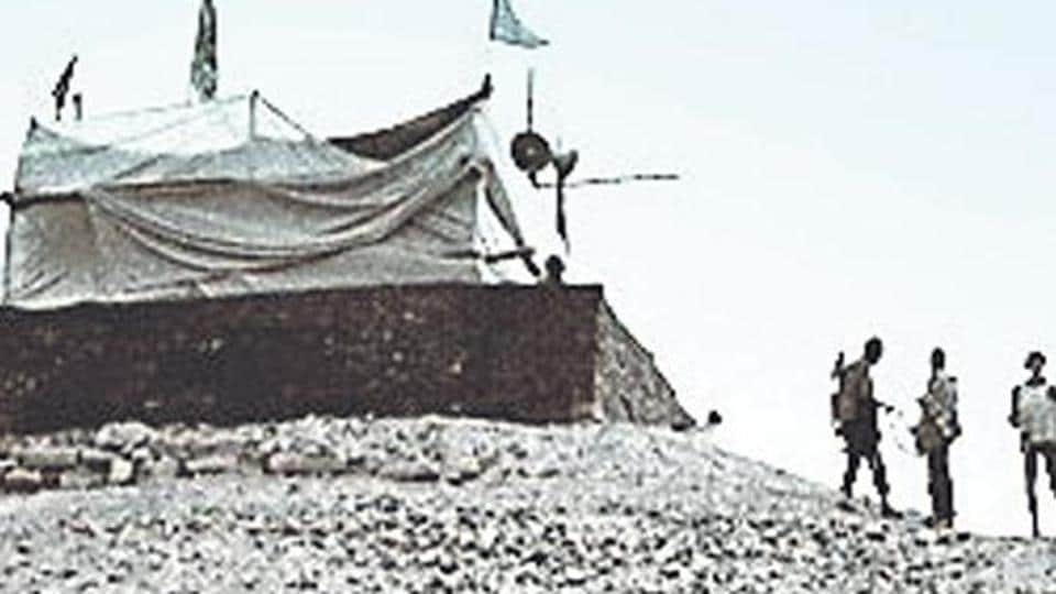A makeshift shelter put up where the Ram temple stood in Ayodhya.