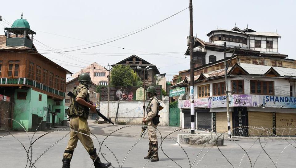 Policemen Injured In Scuffle With Armymen In Kashmir's Ganderbal District