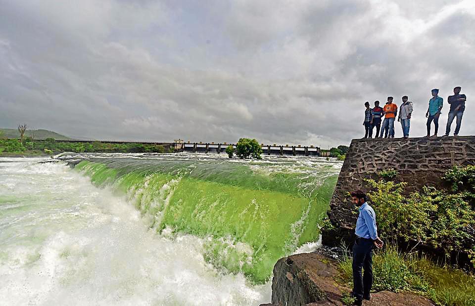 Bhushi dam,Pune,tourists