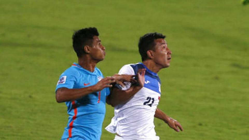 Eugeneson Lyngdoh (L) along with Anas Edathodika were the costliest players in the ISL 2017 draft.