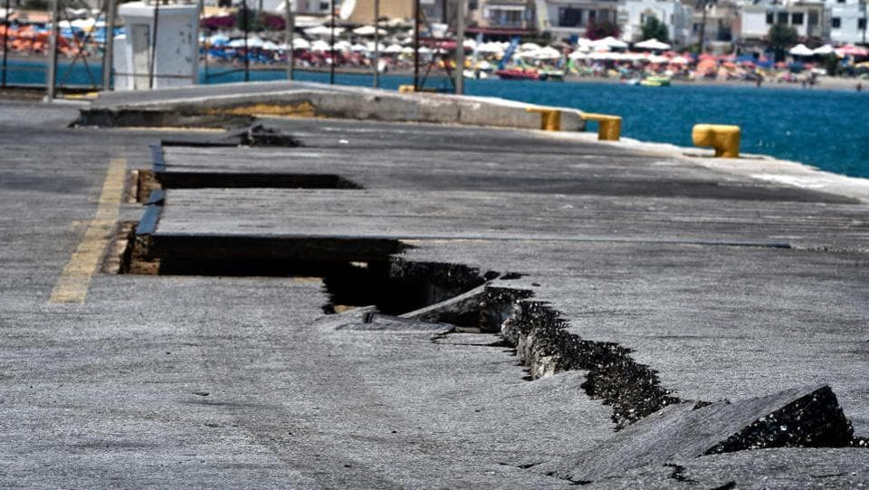 Cracks are seen at the main port on the island of Kos on July 21, 2017, following a 6.5 magnitude earthquake which struck the region. Two foreigners died and more than 100 people were injured on the Greek island of Kos when an earthquake shook popular Greek and Turkish holiday destinations in the Aegean Sea. The epicentre of the 6.7 magnitude quake was some 10.3 kilometres (6.4 miles) south of the major Turkish resort of Bodrum, a magnet for holidaymakers in the summer, and 16.2 kilometres east of the island of Kos in Greece, the US Geological Survey said. (LOUISA GOULIAMAKI / AFP)