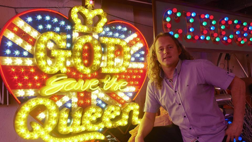 God's Own Junkyard,Neon signs,Marcus Bracey
