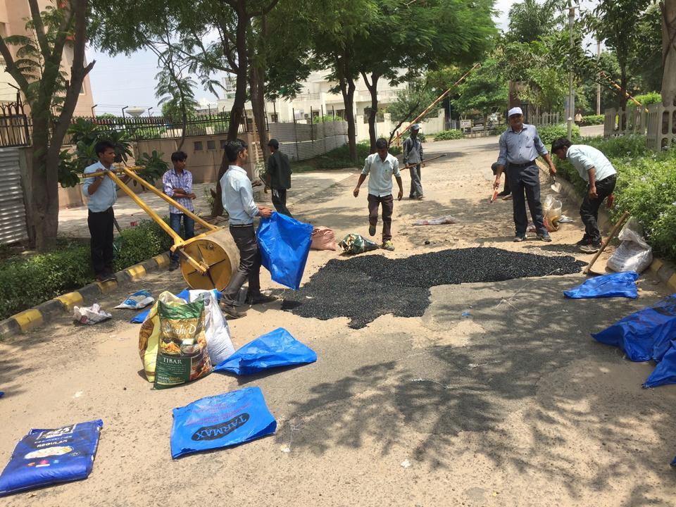 Fresco residents,Gurugram,Broken Roads