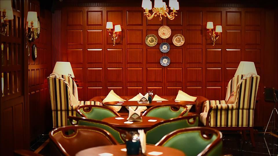 The interiors of 10 Downing Street evoke the charm of the colonial era.