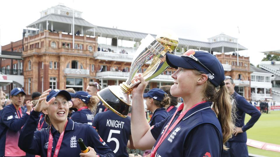 Anya Shrubsole was the star as she picked up 6/46, the best haul by a bowler in the final of an ICC event. (AFP)