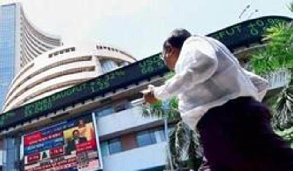 Sensex, Nifty trade at life-time highs; Reliance Industries, ITC advance