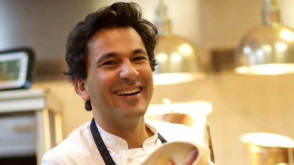In the book, Vikas Khanna says that cooking should be a process of discovery and enjoyment.