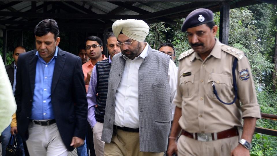 CBI and forensic team reach IGMC hospital for the examine the body of rape and murder accused who died in police custody, Shimla on Tuesday, July 25 2017.