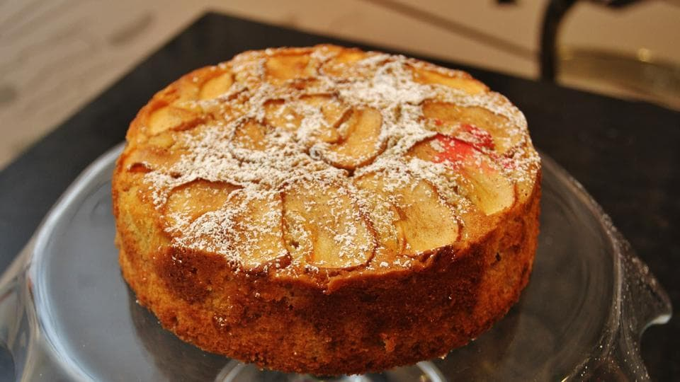 Here's a healthy version of Apple Cinnamon cake.
