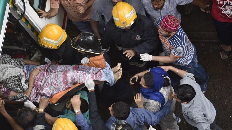 Mumbai building collapse,ghatkopar building collapse,Shiv Sena