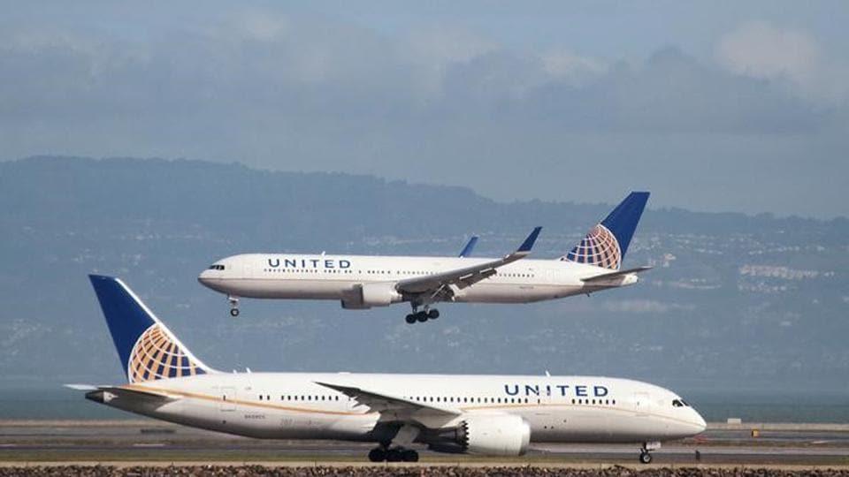 United Airlines,Houston,Boston