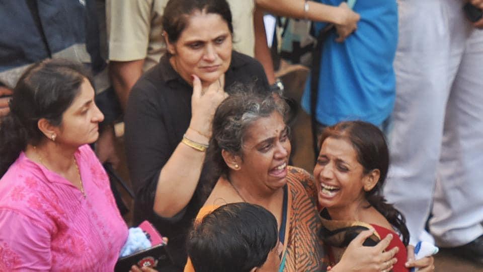 Mumbai,Ghatkopar building collapse,Mumbai roads