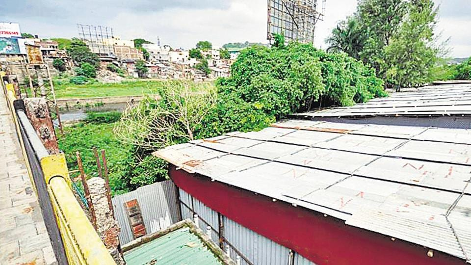 The NGT had recently asked the PMC to remove all encroachments on the floodline at DP road near Mhatre bridge.