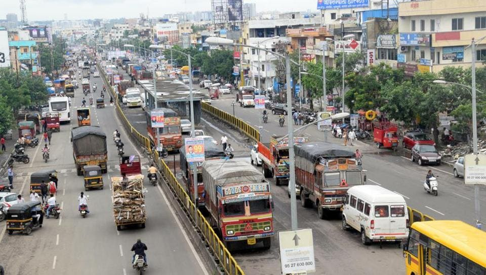 At Kalewadi too many vehicles are seen using the BRTS lane for parking.