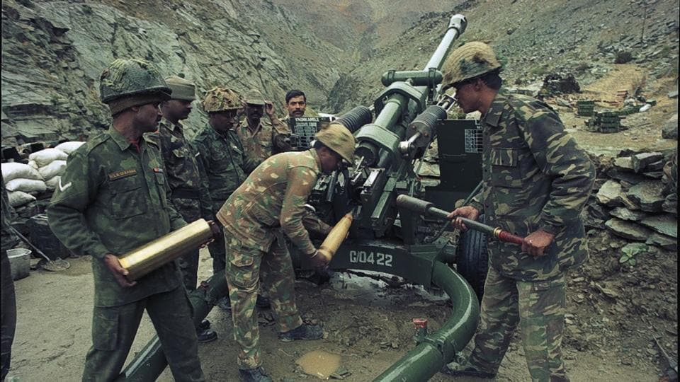 At the peak of the Kargil War, the Indian artillery is estimated to have been engaged in round the clock shelling with batteries firing over one round per minute. The Bofors Howitzers in India's arsenal played a vital role in the efforts to retake and maintain control over positions. The Indian Army is estimated to have fired around 9,000 shells the day Tiger Hill was reclaimed. (Pradeep Bhatia / HT Photo)