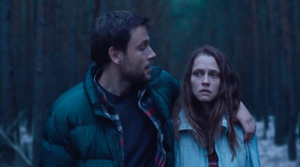 The lead actors are good. Direction is fair. But the shifting alliance between the hapless victim and her psychotic abductor isn't exploited as well as it could have been.