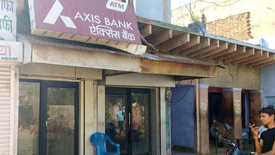 The Axis Bank ATM that dispensed ₹500 notes against the withdrawal of ₹100, in Bharatpur on July 24 .