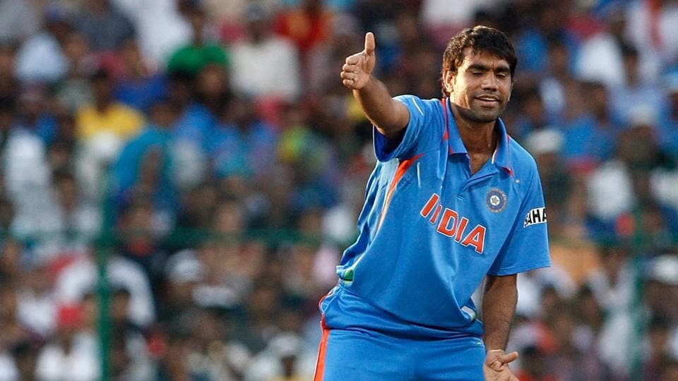 Munaf Patel has landed in a soup over a bounced cheque.